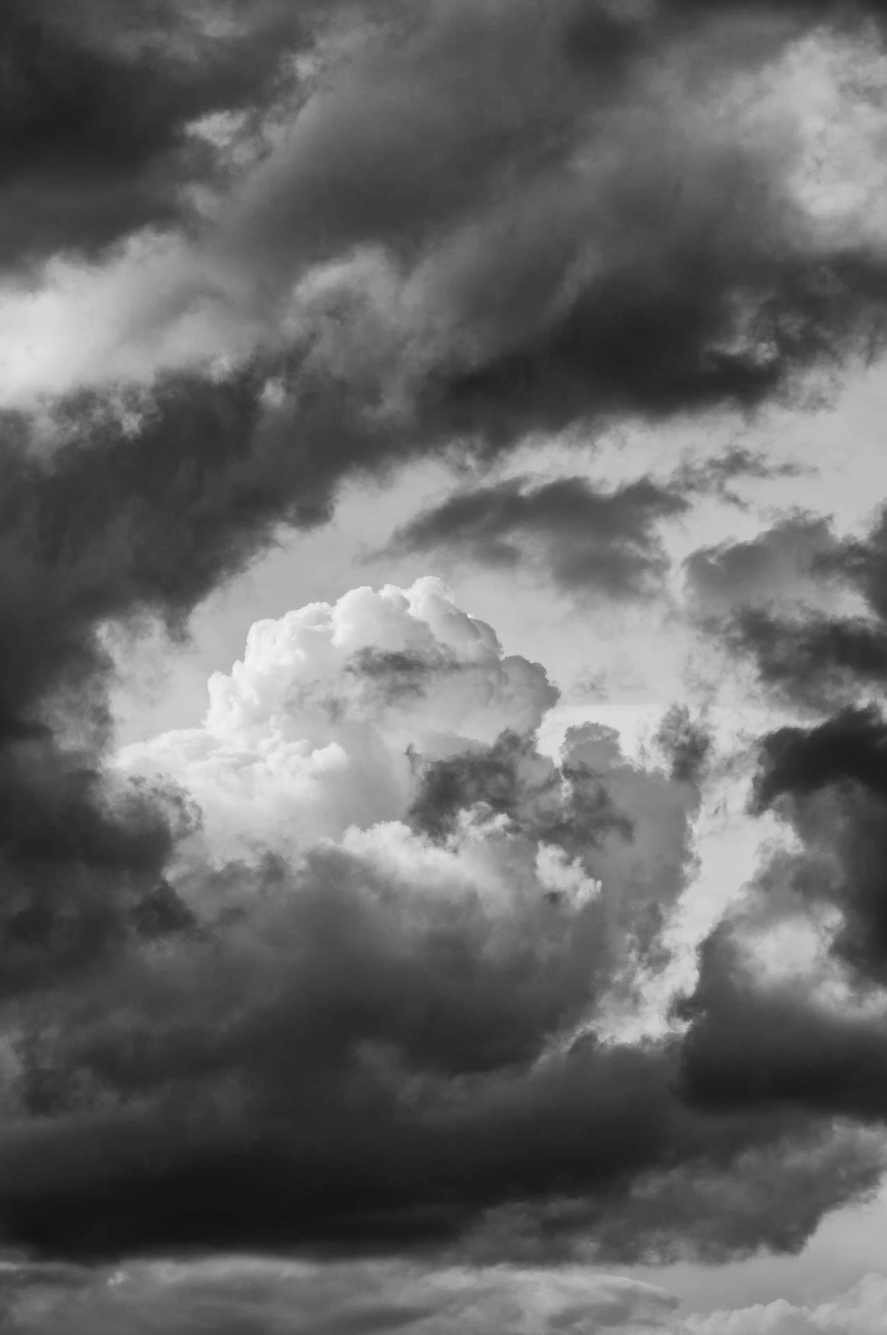 Nikon D300 - Wolken eingerahmt