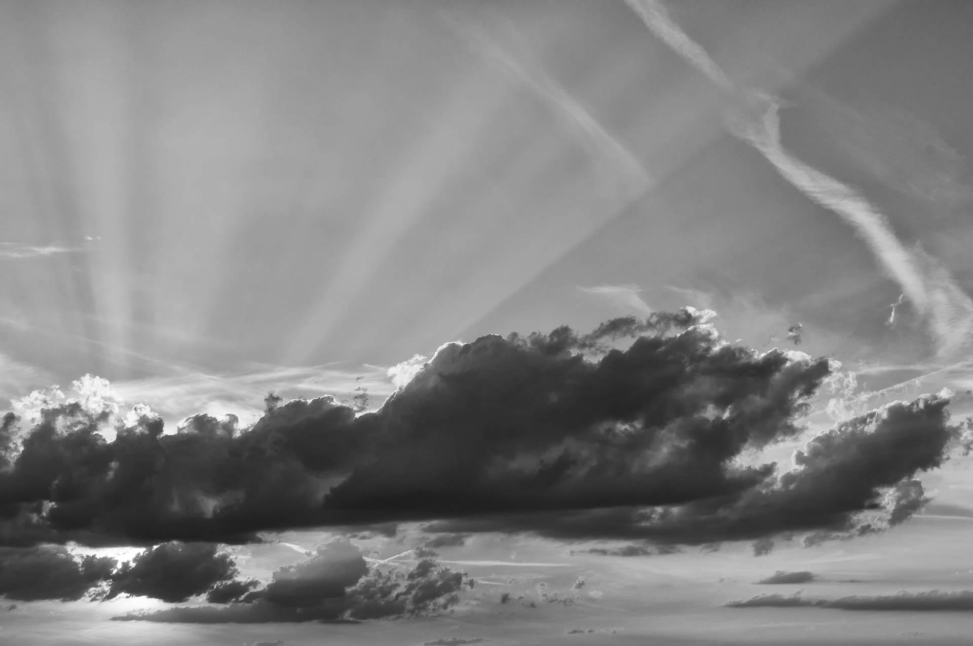 Nikon D300 - Sonnenstrahlen und Wolken